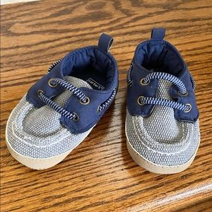 0-3M carter's boat shoes